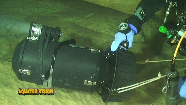 Materiel spéléo phare de plongée abyssnaut
